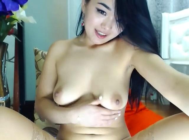 LienRo flashes big boobs on cam