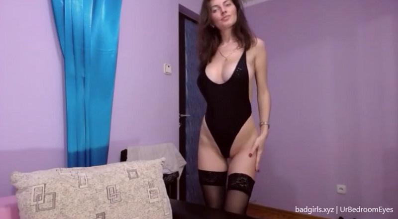 UrBedroomEyes flashes big boobs on cam