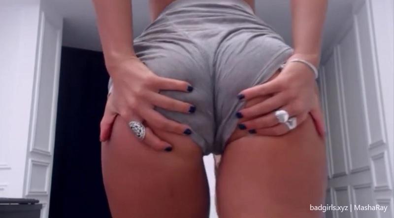 MashaRay flashes big boobs on cam