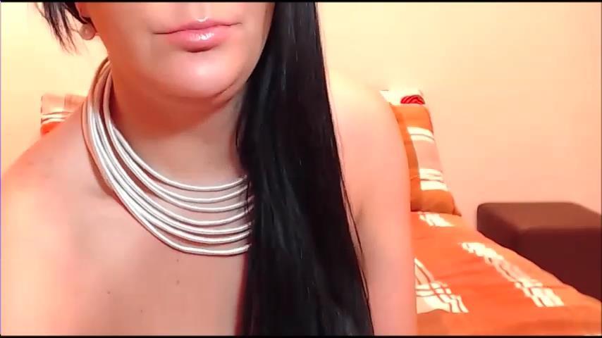 CataleyaMorena flashes big boobs on cam