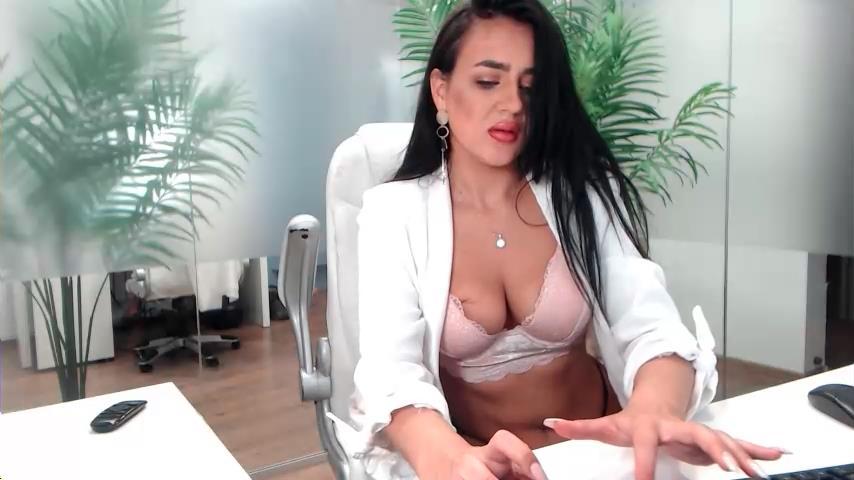 emilia98 xxx free chat video