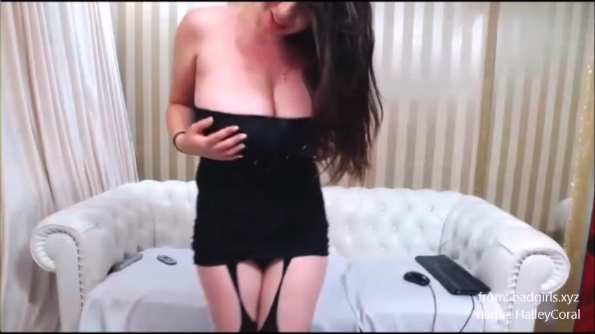 HalleyCoral tits flash