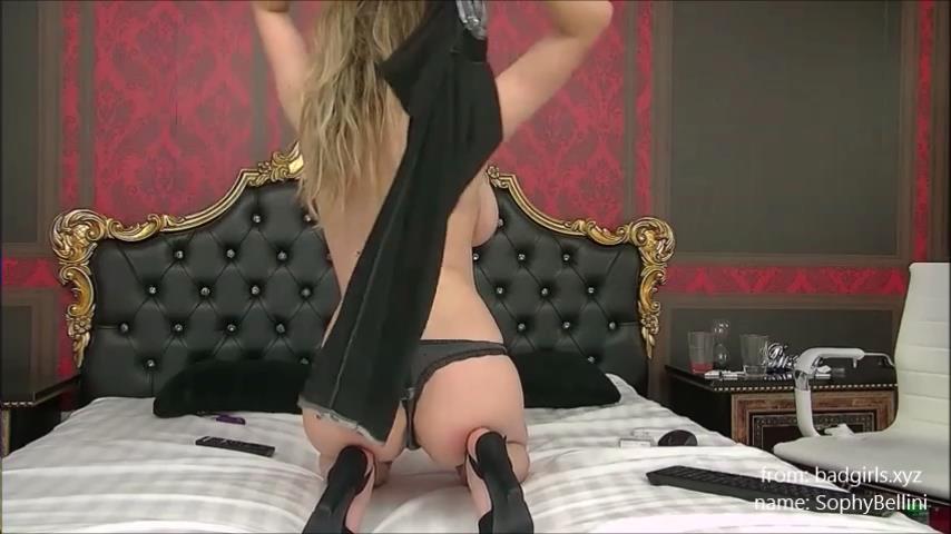 SophyBellini boobs flashing